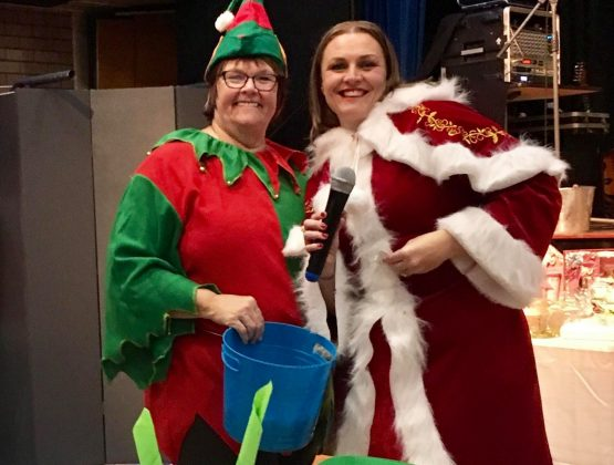 HHOH Christmas in July Mrs Klaus & Elf